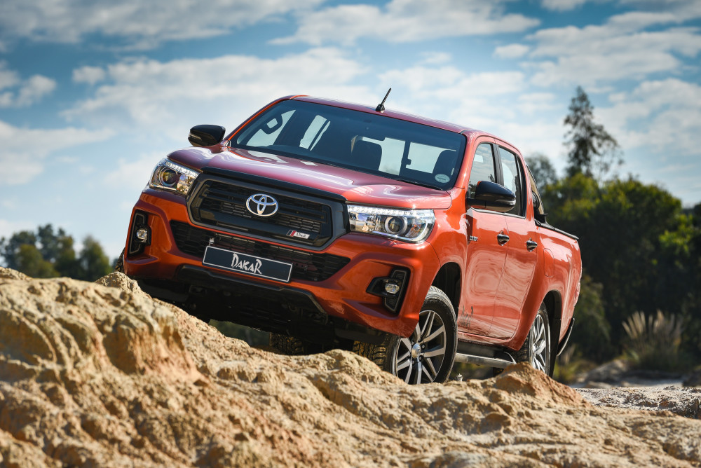 Hilux Dakar – talking tough