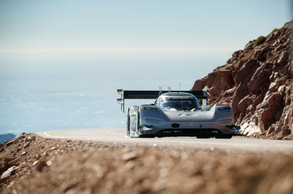 Romain_Dumas_F_Volkswagen_I.D._R_Pikes_Peak-Large-8486