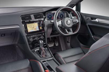 new-golf-gti-interior_002_880x500