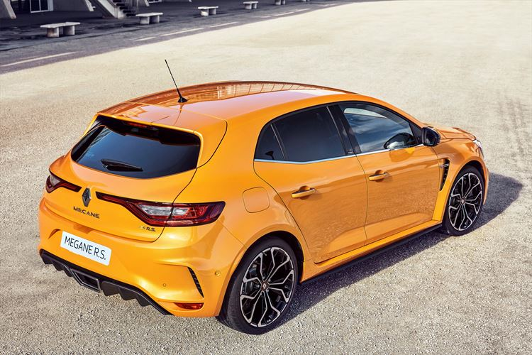 renault_meganers_orange-05_880x500