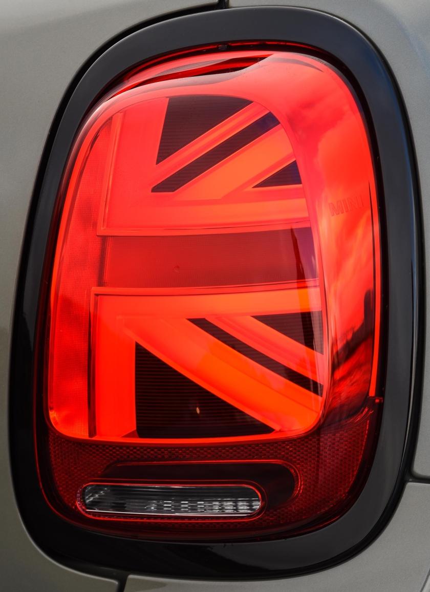 p90313321_highres_the-new-mini-3-door.jpg