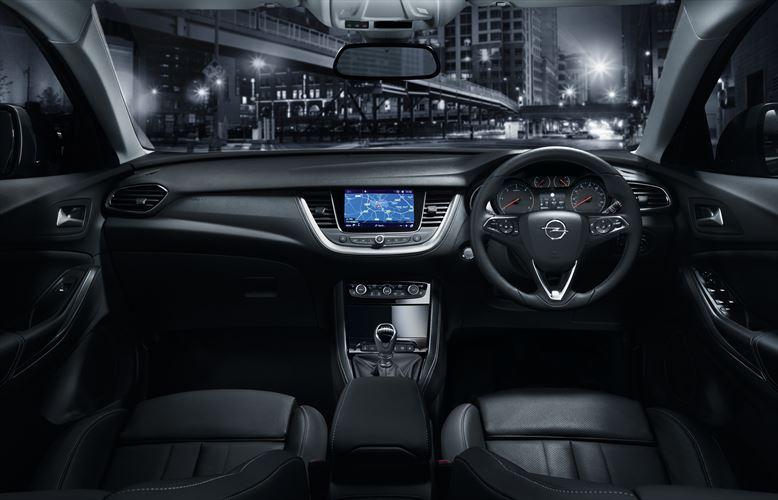 my18_grandland-x-interior-7_880x500