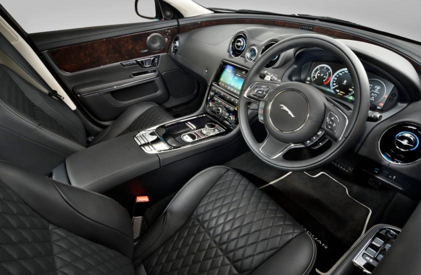 Jaguar XJ 50 Interior 003