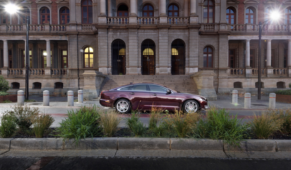 Jaguar adds XJ specialedition