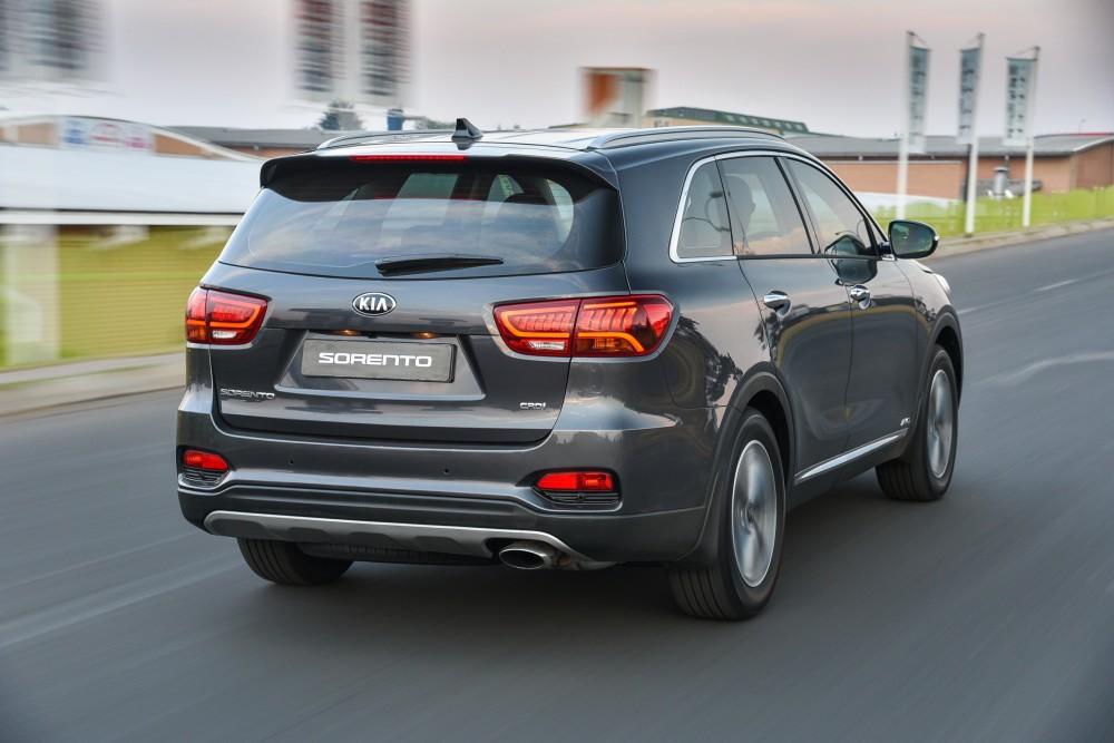 Road Review – Hyundai vsKia