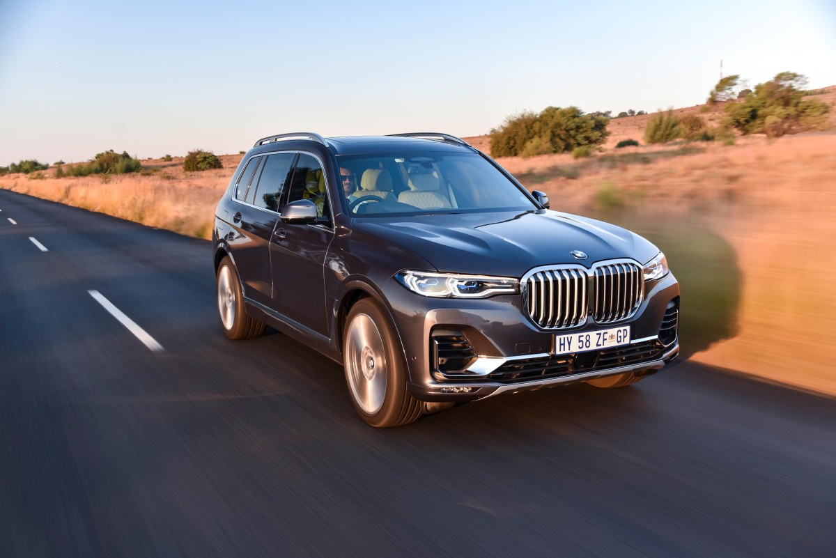 Road Review – BMW X7 3.0d
